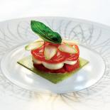 Millefeuille-de-tomate-mozzarella-pesto-en-gelee